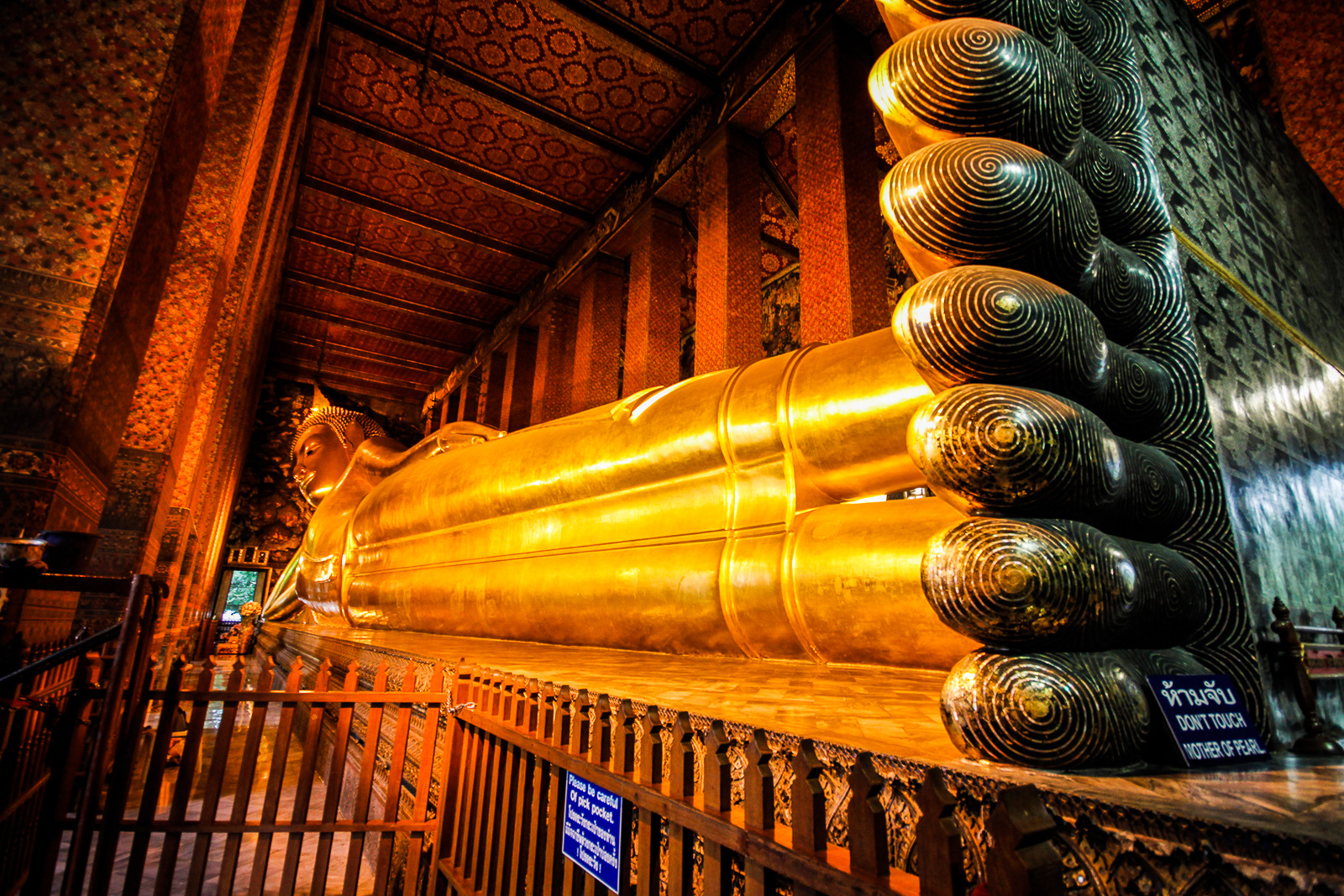 معبد بودای خفته در تور تایلند