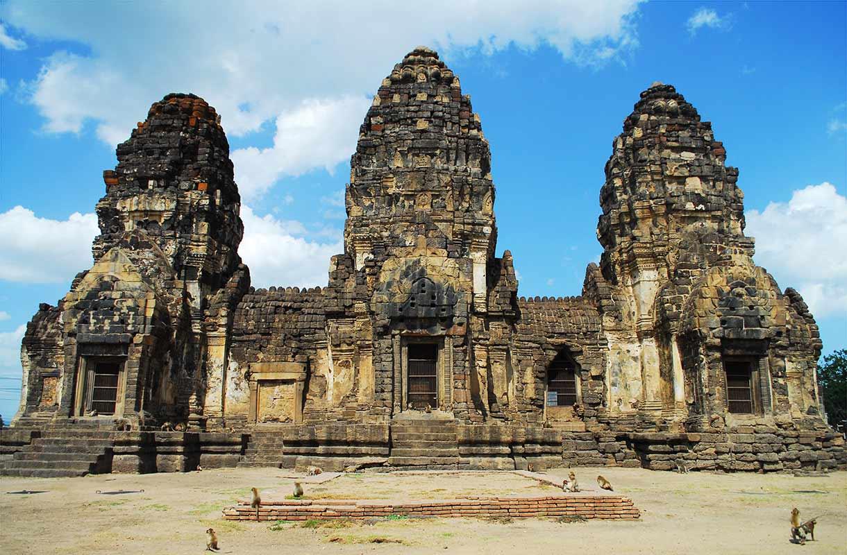 معبد سه برج بانکوک